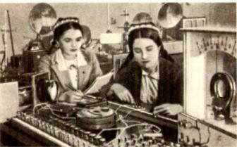 Studentinnen der Universität in Samarkand bei Seminarübungen