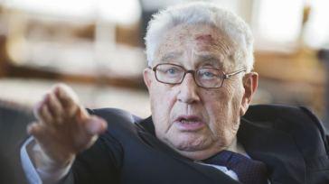 Der Kriegsverbrecher Kissinger. Die Blutspur eines Massenmörders ...