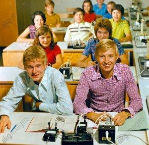 Unterricht in Elektrotechnik/Foto 1975 - Teaching electronics / Photo / 1975 -