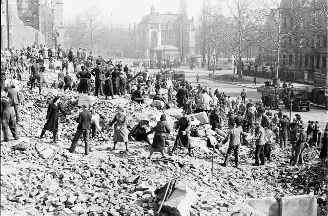 05. Dresden Juni 1945